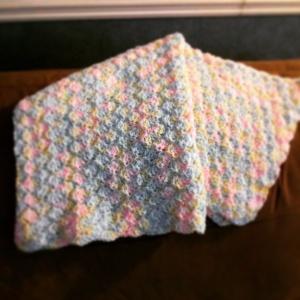 Baby Blanket - Rainbow shells throw with Bernat Baby sport